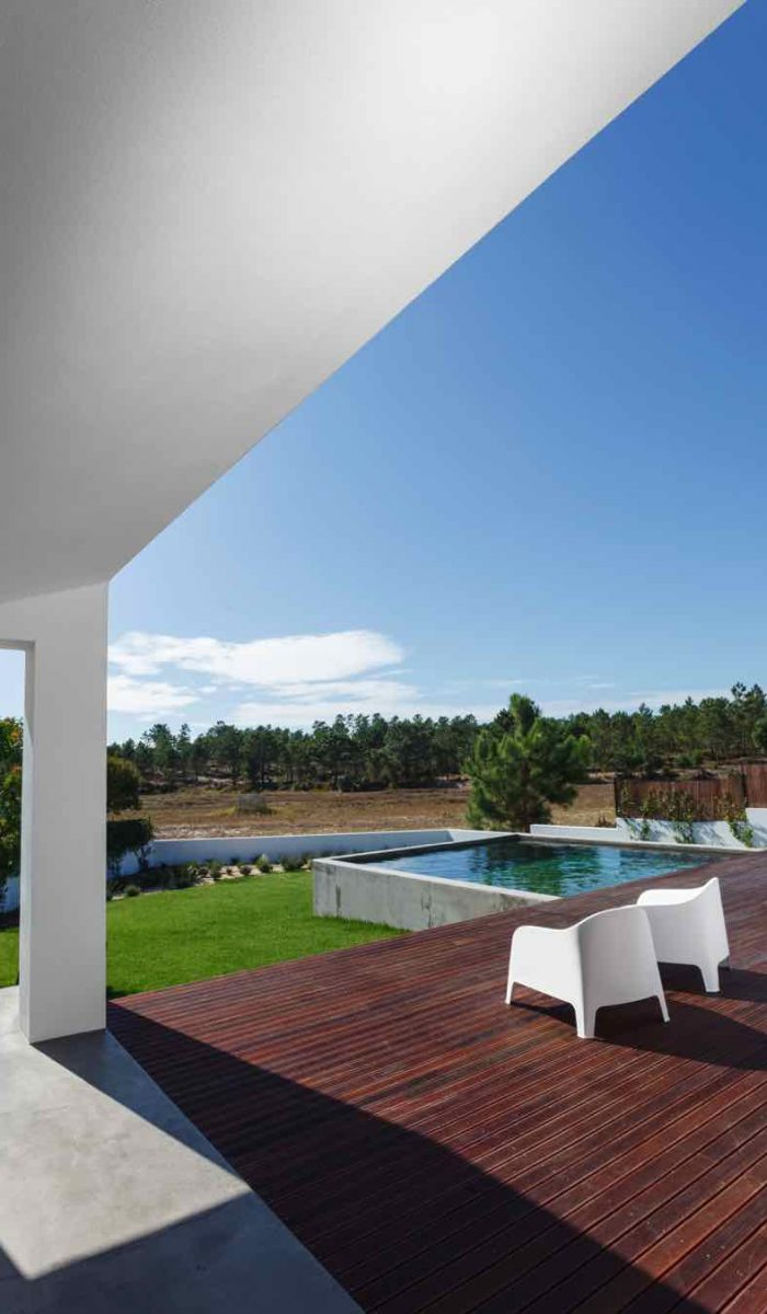 modern-house-with-garden-swimming-pool-and-wooden-PZNP5UW.jpg